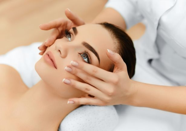 clarins-treatment